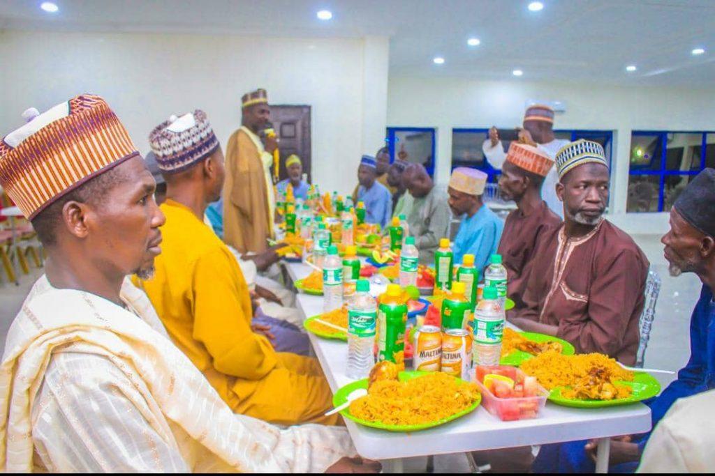 Sheikh Zakzaky Organised Iftar Dinner For Martyrs Family